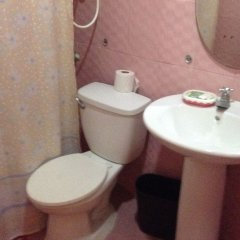 Отель John Mig Hotel Филиппины, Лапу-Лапу - отзывы, цены и фото номеров - забронировать отель John Mig Hotel онлайн ванная фото 2