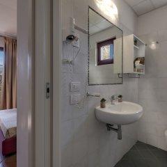 Отель Casolare Le Terre Rosse Италия, Сан-Джиминьяно - 1 отзыв об отеле, цены и фото номеров - забронировать отель Casolare Le Terre Rosse онлайн ванная фото 2