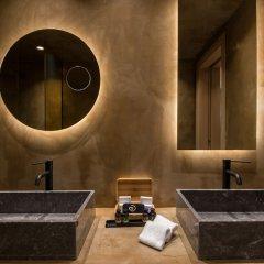 Отель Andronis Arcadia Hotel Греция, Остров Санторини - отзывы, цены и фото номеров - забронировать отель Andronis Arcadia Hotel онлайн ванная