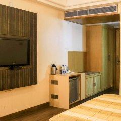Отель Dee Marks Hotel & Resorts Индия, Нью-Дели - отзывы, цены и фото номеров - забронировать отель Dee Marks Hotel & Resorts онлайн удобства в номере фото 2