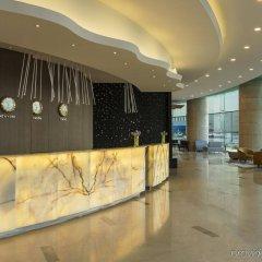 Отель Four Points by Sheraton Kuwait интерьер отеля