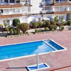 Отель PA Apartaments Lotus Испания, Бланес - отзывы, цены и фото номеров - забронировать отель PA Apartaments Lotus онлайн бассейн