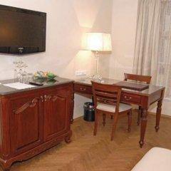 Отель The Dominican Прага удобства в номере