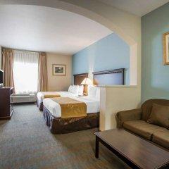 Отель Comfort Suites Tulare комната для гостей фото 2