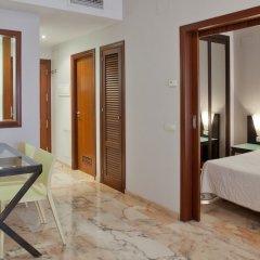 Отель Apartamentos Vértice Bib Rambla Испания, Севилья - отзывы, цены и фото номеров - забронировать отель Apartamentos Vértice Bib Rambla онлайн балкон