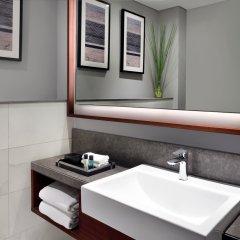 Отель Mövenpick Hotel Bur Dubai ОАЭ, Дубай - отзывы, цены и фото номеров - забронировать отель Mövenpick Hotel Bur Dubai онлайн ванная фото 2
