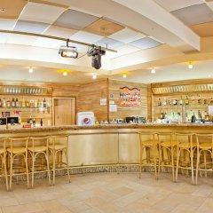 Отель Сенди Бийч Болгария, Албена - отзывы, цены и фото номеров - забронировать отель Сенди Бийч онлайн гостиничный бар