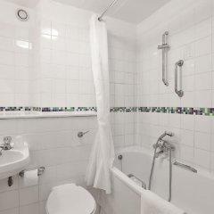 Отель Ambassadors ванная
