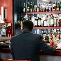 Отель Manhattan Centre Hotel США, Нью-Йорк - отзывы, цены и фото номеров - забронировать отель Manhattan Centre Hotel онлайн гостиничный бар