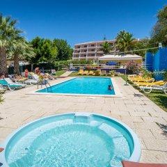 Отель Monica Isabel Beach Club бассейн