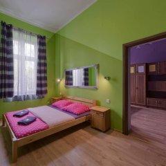 Отель Hostel 70s and Queen Apartments Польша, Краков - 2 отзыва об отеле, цены и фото номеров - забронировать отель Hostel 70s and Queen Apartments онлайн комната для гостей фото 3
