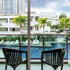 Отель Prima Villa Hotel Таиланд, Паттайя - 11 отзывов об отеле, цены и фото номеров - забронировать отель Prima Villa Hotel онлайн балкон