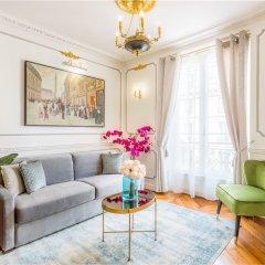 Отель Luxury 2 bedroom 2.5 bathroom Louvre Франция, Париж - отзывы, цены и фото номеров - забронировать отель Luxury 2 bedroom 2.5 bathroom Louvre онлайн комната для гостей