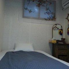 Отель Punggyeong Hanok Guesthouse Южная Корея, Сеул - отзывы, цены и фото номеров - забронировать отель Punggyeong Hanok Guesthouse онлайн комната для гостей