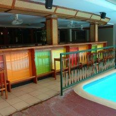 Отель Hexagon International Hotel Фиджи, Вити-Леву - отзывы, цены и фото номеров - забронировать отель Hexagon International Hotel онлайн бассейн