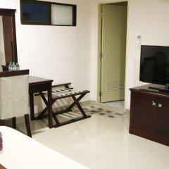 Отель Chaplin Inn Паттайя комната для гостей фото 4