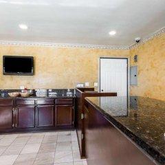 Отель Rodeway Inn & Suites Pacific Coast Highway США, Лос-Анджелес - отзывы, цены и фото номеров - забронировать отель Rodeway Inn & Suites Pacific Coast Highway онлайн в номере