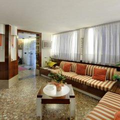 Hotel Caprera интерьер отеля фото 2