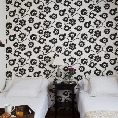 Апартаменты AinB Eixample-Entenza Apartments сейф в номере