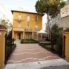 Отель ALIBI Римини парковка
