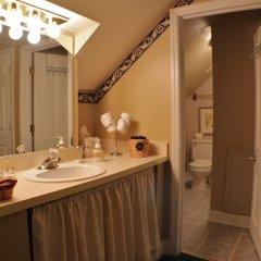 Отель 50 Lincoln Short North Bed and Breakfast ванная