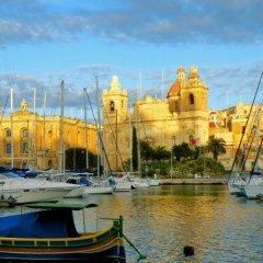 Отель Knights In Malta B&B Нашшар приотельная территория