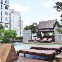 Отель Century Park Бангкок бассейн фото 2