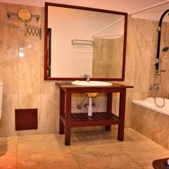 Отель Lucas Memorial Шри-Ланка, Косгода - отзывы, цены и фото номеров - забронировать отель Lucas Memorial онлайн ванная фото 2