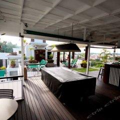 Апартаменты Kata Beach Studio гостиничный бар