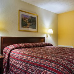 Отель Knights Inn-columbus Колумбус комната для гостей
