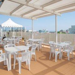 Отель Bagli - Cristina Италия, Римини - отзывы, цены и фото номеров - забронировать отель Bagli - Cristina онлайн бассейн фото 3