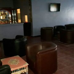 Отель Hôtel Farah Al Janoub Марокко, Уарзазат - отзывы, цены и фото номеров - забронировать отель Hôtel Farah Al Janoub онлайн гостиничный бар