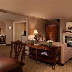 Отель The Roosevelt Hotel, New York City США, Нью-Йорк - 9 отзывов об отеле, цены и фото номеров - забронировать отель The Roosevelt Hotel, New York City онлайн удобства в номере фото 2