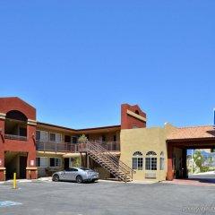 Отель Americas Best Value Inn - Dodger Stadium/Hollywood Лос-Анджелес парковка