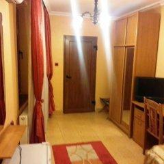 Отель Family Hotel Silvestar Болгария, Велико Тырново - отзывы, цены и фото номеров - забронировать отель Family Hotel Silvestar онлайн комната для гостей фото 5