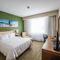 Отель Hampton By Hilton Santo Domingo Airport Бока Чика комната для гостей