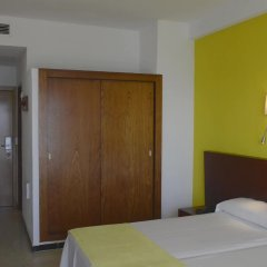 Hotel JS Can Picafort сейф в номере