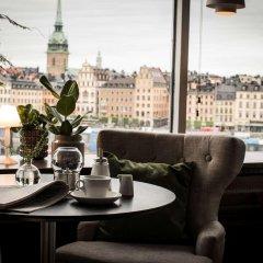 Отель Hilton Stockholm Slussen Швеция, Стокгольм - 9 отзывов об отеле, цены и фото номеров - забронировать отель Hilton Stockholm Slussen онлайн гостиничный бар