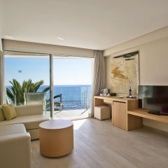 Melbeach Hotel & Spa - Adults Only комната для гостей