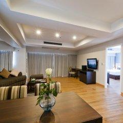 Отель D Varee Jomtien Beach 4* Люкс с различными типами кроватей