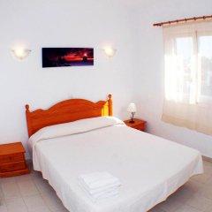 Отель Apartmentos Ses Anneres комната для гостей фото 2