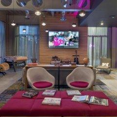 Отель Moxy London Excel гостиничный бар фото 2