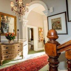 Отель The Villa Rosa Bed and Breakfast интерьер отеля