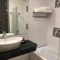 Отель Le Duy Grand Хошимин ванная