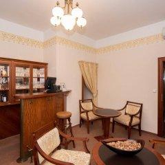 Отель Alqush Downtown Прага интерьер отеля