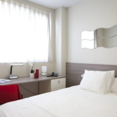 Отель Vertice Roomspace Madrid 3* Стандартный номер с различными типами кроватей фото 3