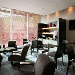Отель Hilton London Angel Islington гостиничный бар