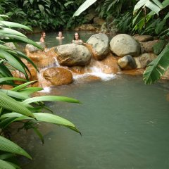 Отель The Springs Resort and Spa at Arenal бассейн