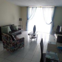Отель Skyclub Beach Suite at Mobay Club Ямайка, Монтего-Бей - отзывы, цены и фото номеров - забронировать отель Skyclub Beach Suite at Mobay Club онлайн комната для гостей фото 2