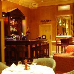 The Leonard Hotel гостиничный бар